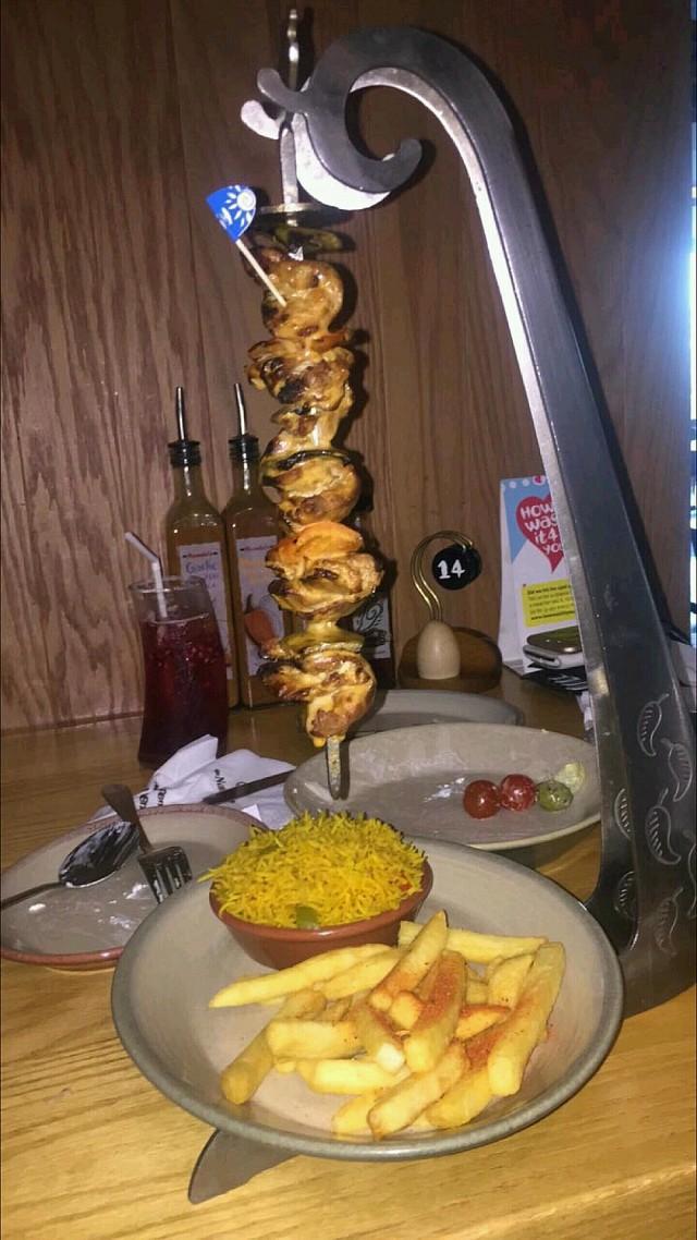 #nandos #chickdn سيخ الدجاج من ناندوز مع صوص البري بري