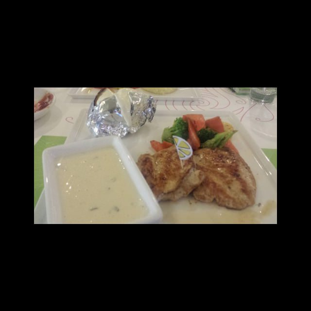 grilled chicken with mashroom sauce