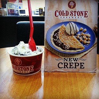 Cold stone ice cream is very tasty and creamy 100%. You can imagine how good taste it have yummy.