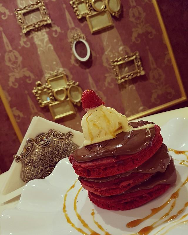 #redvelvet #pancakes #icecream #dessert #sweet