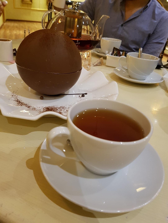 chocolate ball @ ديكوريتنق ميموريز - البحرين