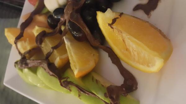 البرتقال بالقشرة في سلطة الفواكه @ Cafe masaya - Bahrain