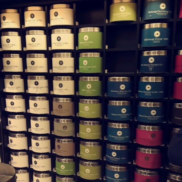 A wide range of chinese tea ؛ white, green, oolong, black, herbal and more.. for TEA lovers