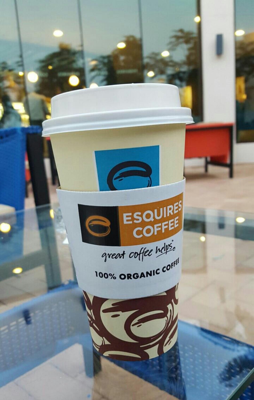 #اسكويرز #كافيه #لاتيه @ Esquires Cafe - Bahrain