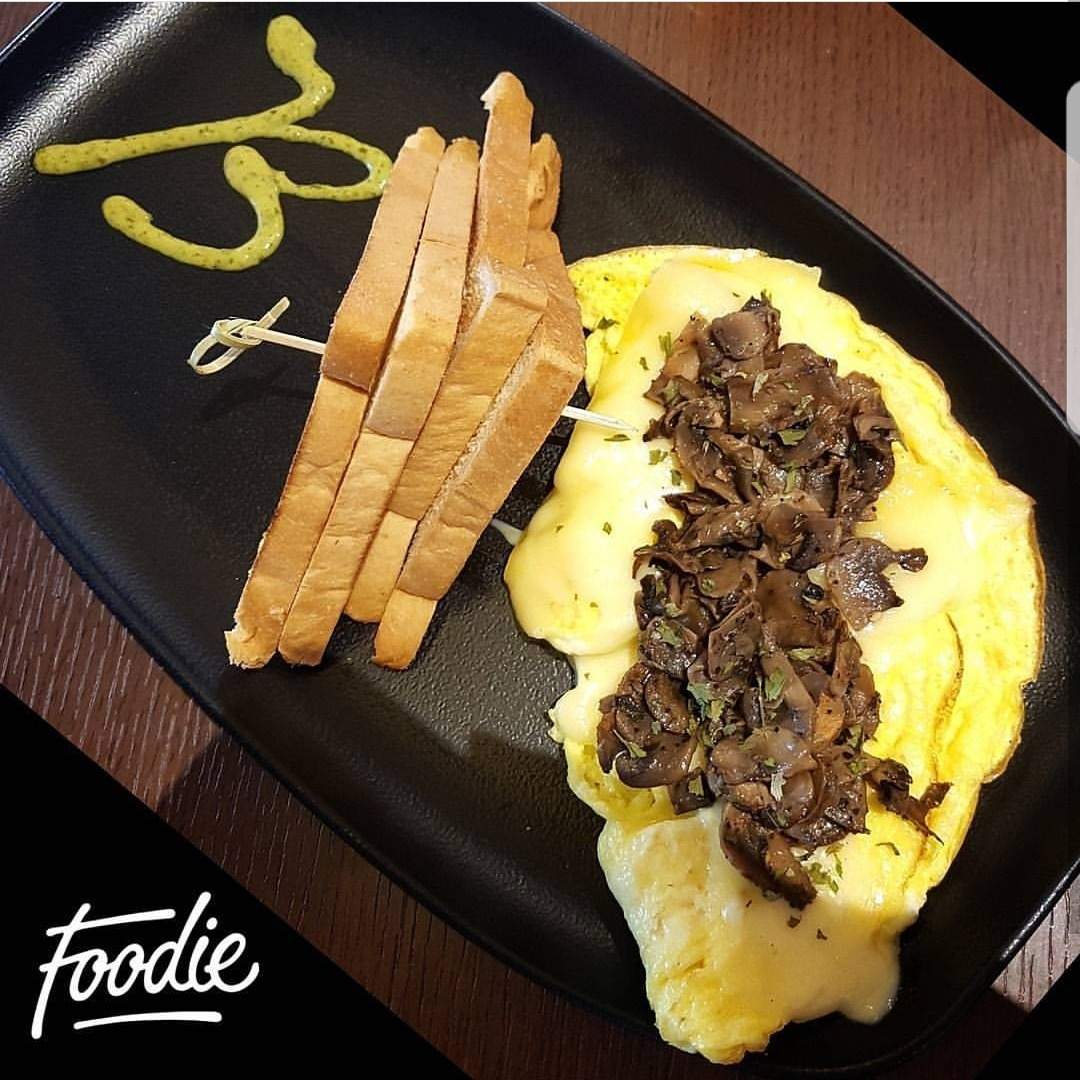 Omlette with cheese & Sauteed mushroom @ Blu Burger - Bahrain