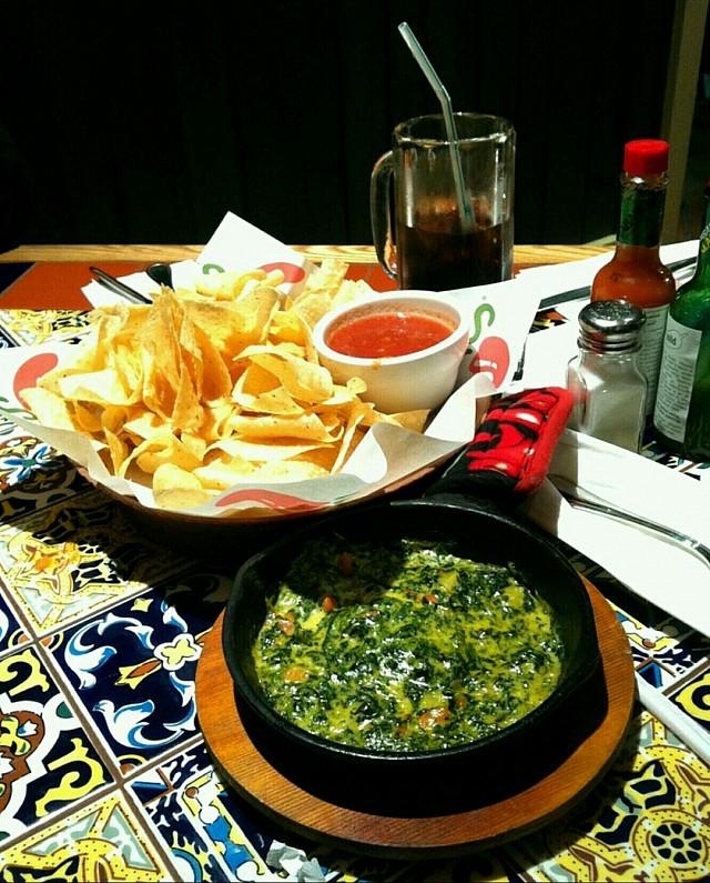#nachos #spinach #dip احلى ديب سبانخ جربته