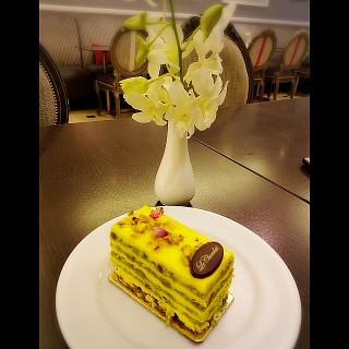 Saffron cake 🍰😋
