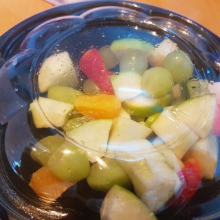 Ordered Fruit salad (large) for lunch from Healthy Calories at Almoyyed tower. Got a large container and the container was not even half filled with fruits. Not worth for money. I will never ever order fruit salad from Healthy calories.  #fruitsalad #healthycalories #NotWorthForMoney #BigNoNo