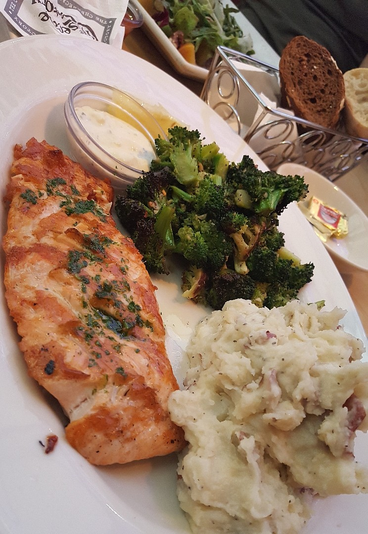 #salmon 👌👌 @ The Cheesecake Factory - UAE