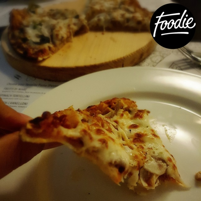 Pollo pizza: See how thin is the slice, full of yummy stuff till last bite 😋