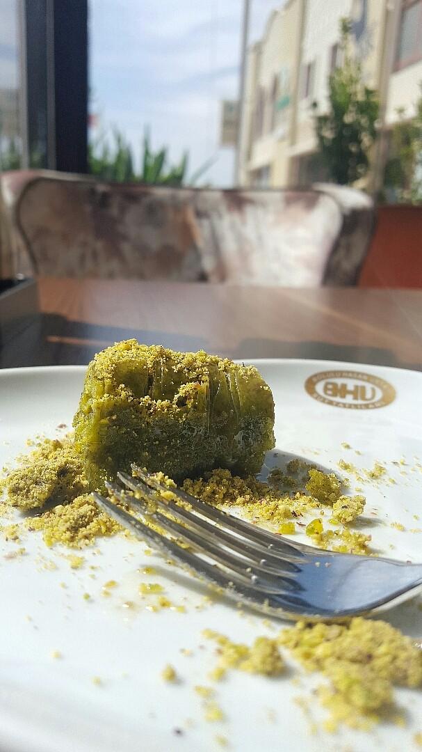 الحلويات التركية بمهارة فنية  منذ 1402 !! كان الجدل ميلادي أو هجري  والميلادي ليس ببعيد عن حضارة العثمانين @ Bolulu Hasan Usta ( BHU ) - Bahrain