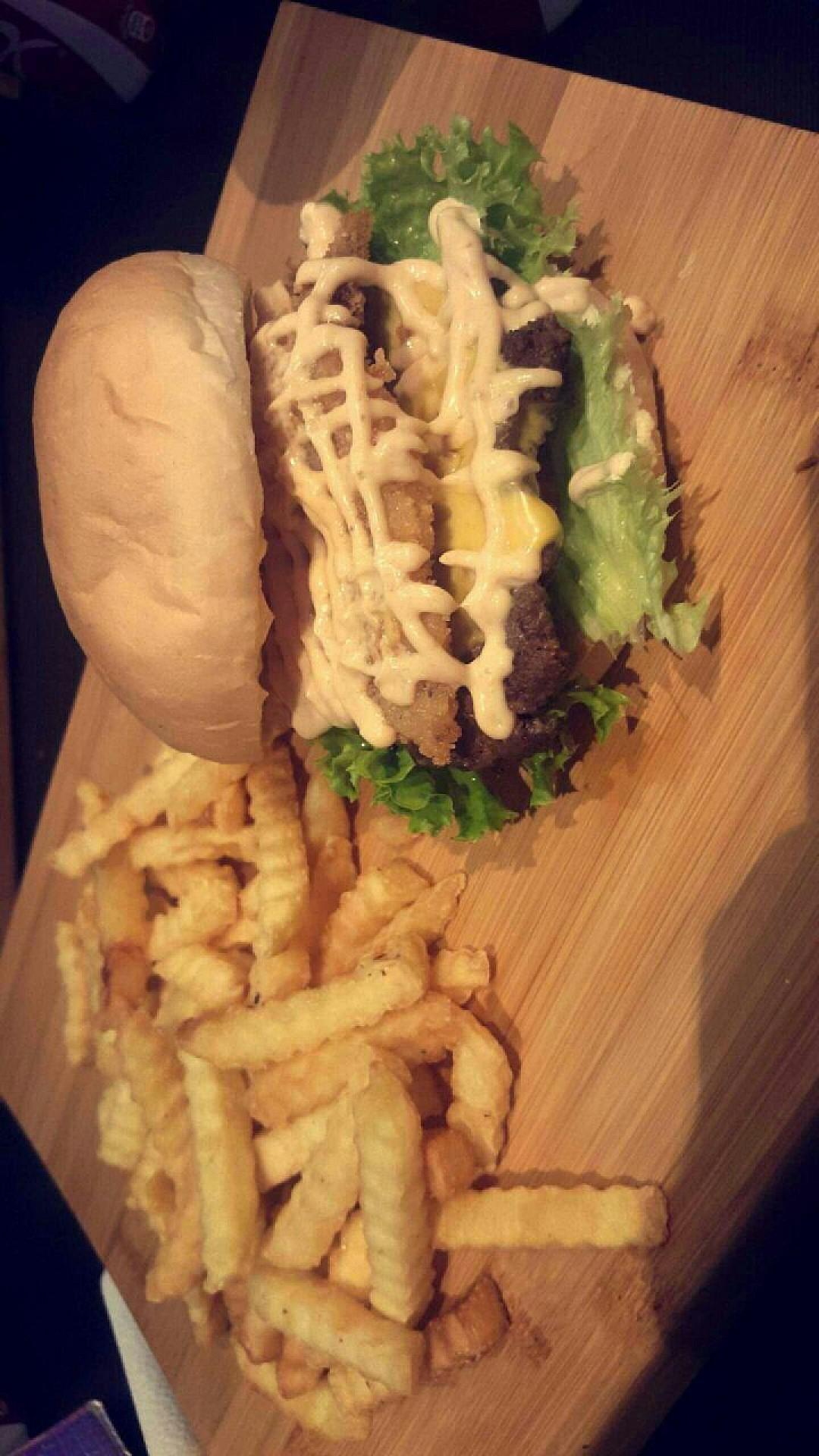 😋😋 @ Burger Zone - Bahrain