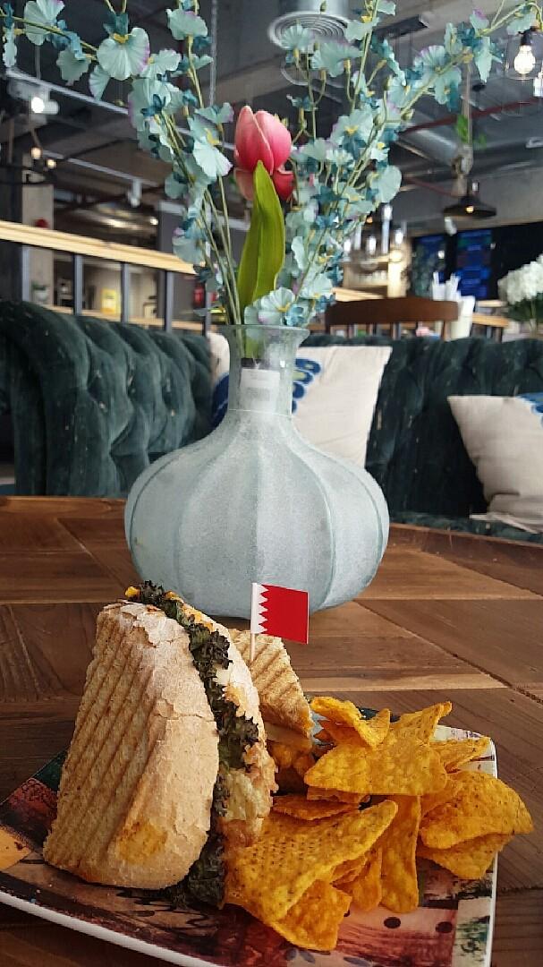 الروقان💚 من أكثر الأماكن التي اكرر الذهاب إليها @ Innovation Furniture - Bahrain