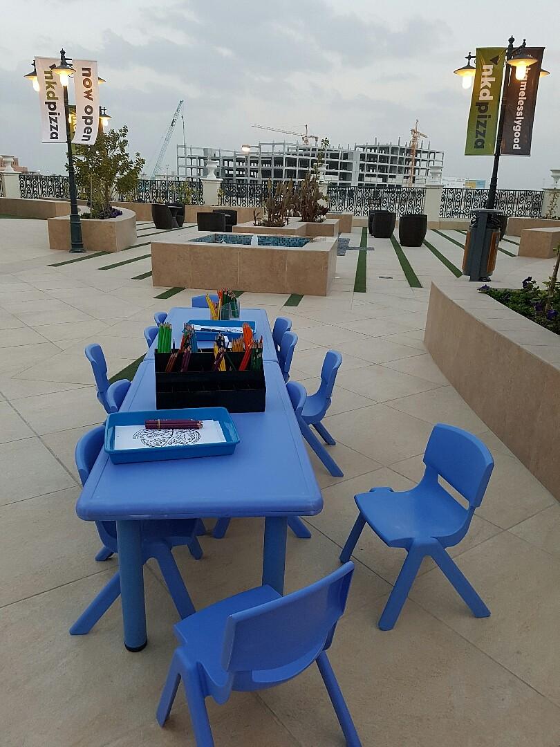 Coloring station for the kids #elmercado @ مجمع المركادو - البحرين