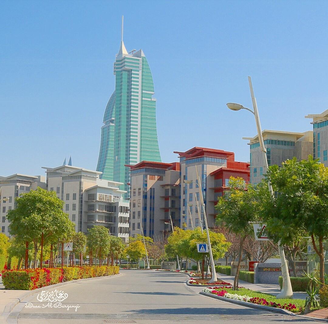 جزيرة الريف بين المال والجمال طريق نجاح لديرتي البحرين 💛 @ Reef Island - Bahrain