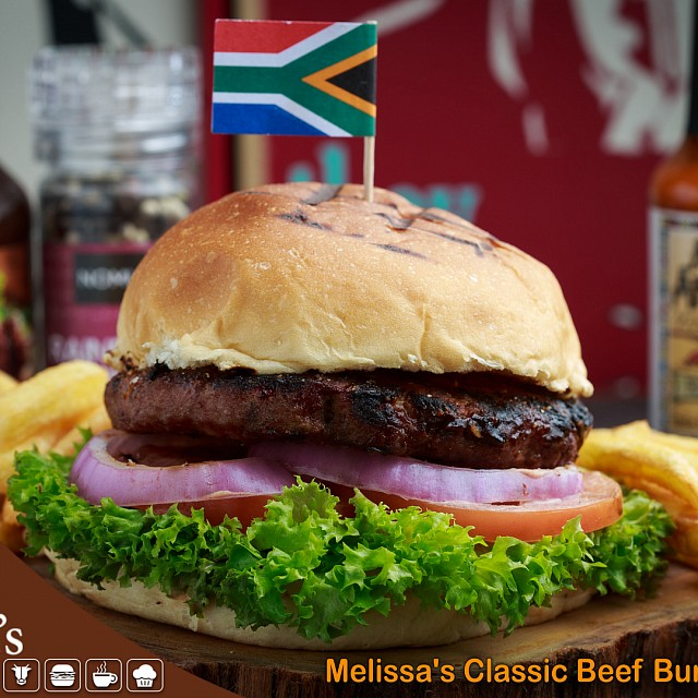 Melissa's Classic Beef Burger #coffee #specialtycoffee #roastery #microroasting #roasterycafe #thirdwavecoffee #bahraincafe #bahrain #visitbahrain #bahraindrink #bh #bahraininstagram #bahraincoffee  #ksa #saar #acmecups #smoothie #juice #croissant #breakfast #lunch #dinner #brunch #south_african #healthyfood #sandwich #pap_wors #biltong