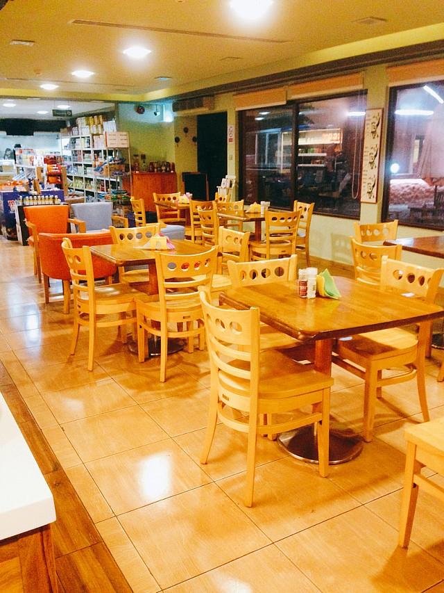 @melissas_emporium  #coffee #coffeeshop #bahrain #saar #budaiya_road #cake #café #caffeine #food #con_panna #cappuccino #caffelatte #espresso #cortado #milkshake #homemade #smoothie #juice #croissant #breakfast #lunch #dinner #brunch #south_african #healthyfood #sandwich #pap_wors #biltong