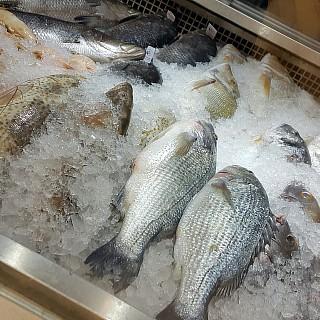 Fresh local seafood 👍