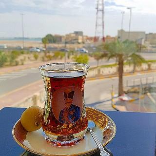 ياس اصفهاني بإطلالة جديدة في وسط العاصمة المنامة مع نفس الأكلات اللذيذة 💖
