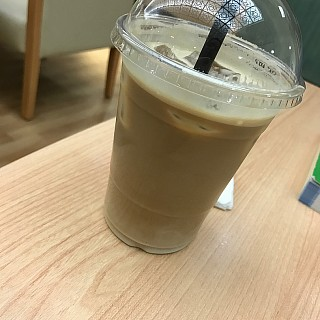 Ice latte from a new coffee shop in AOU in Aali. They are actually pretty good. Don't know if they have other branches. If you study in AOU then give them a try, you won't regret it 👍🏻