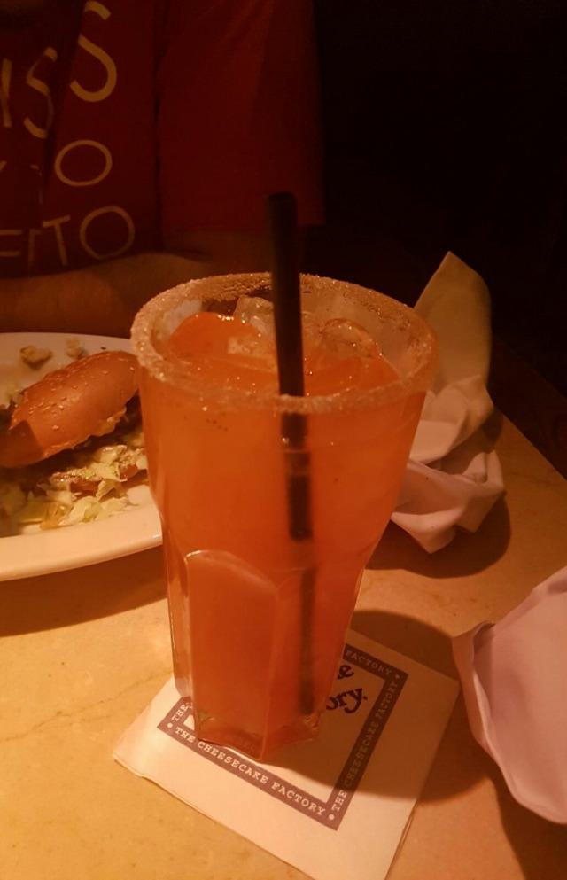 Strawberry lemonade🍹  refillable 👌💯