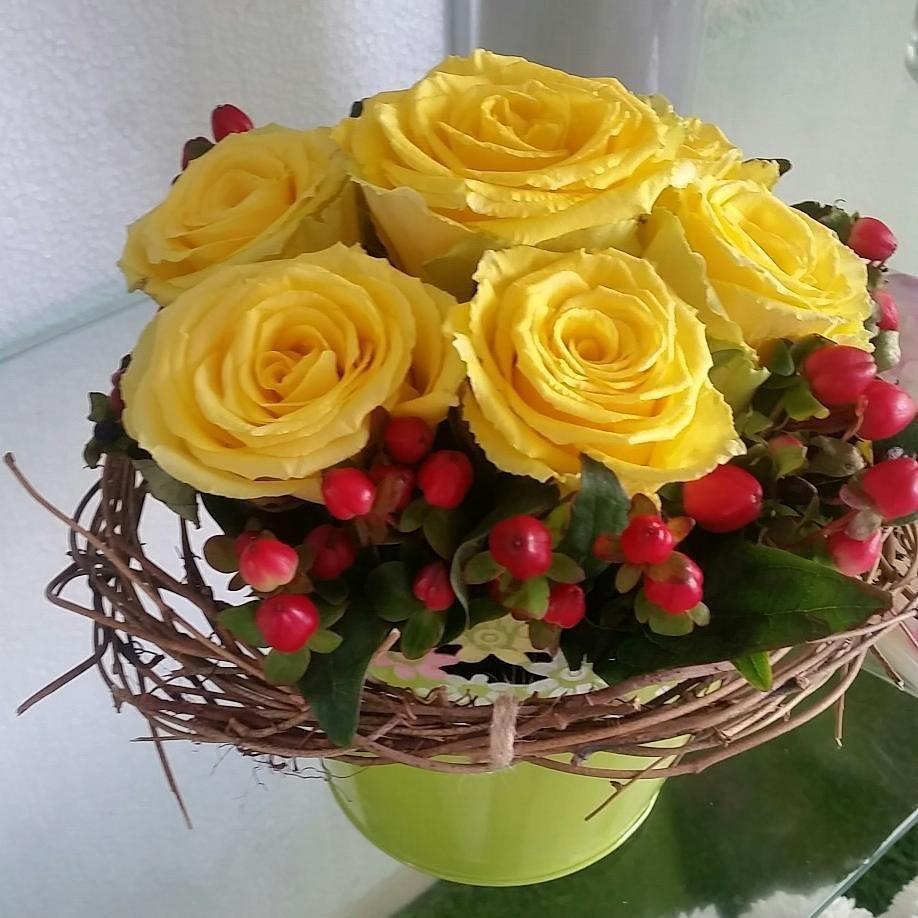 #flowers #roses #florist #fresh #bahrainflowers @ Lusail Flowers - Bahrain