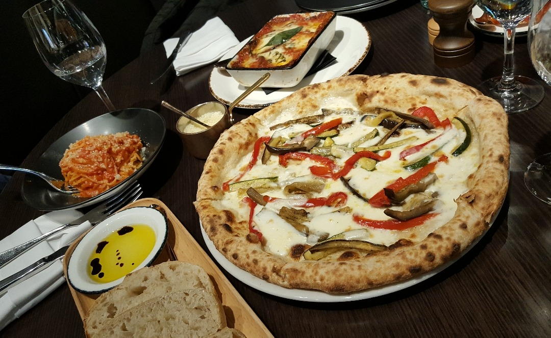 handcrafted pizza👌 @ 400 gradi middle East - Bahrain
