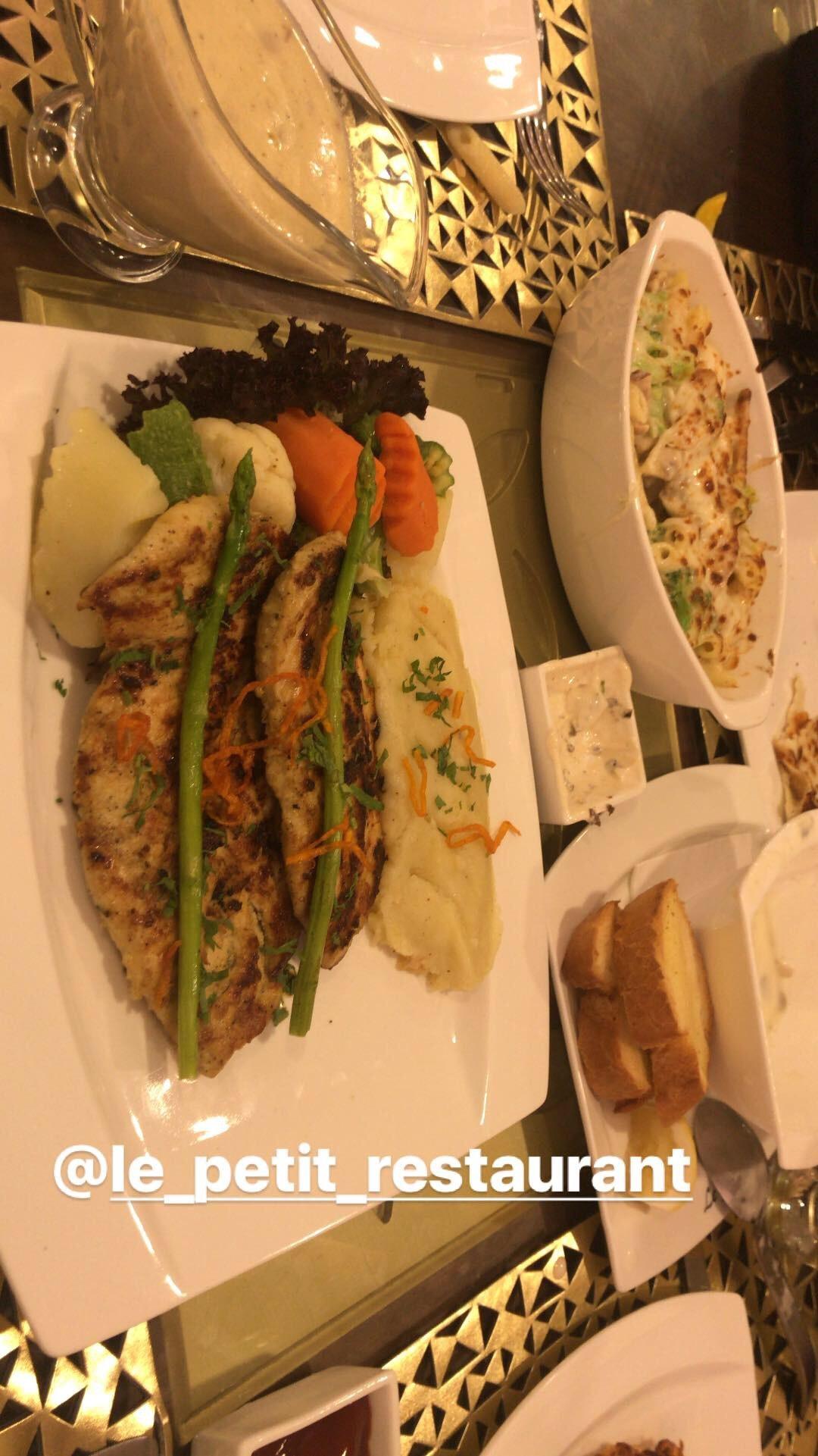 Le Petit Restaurant - Bahrain