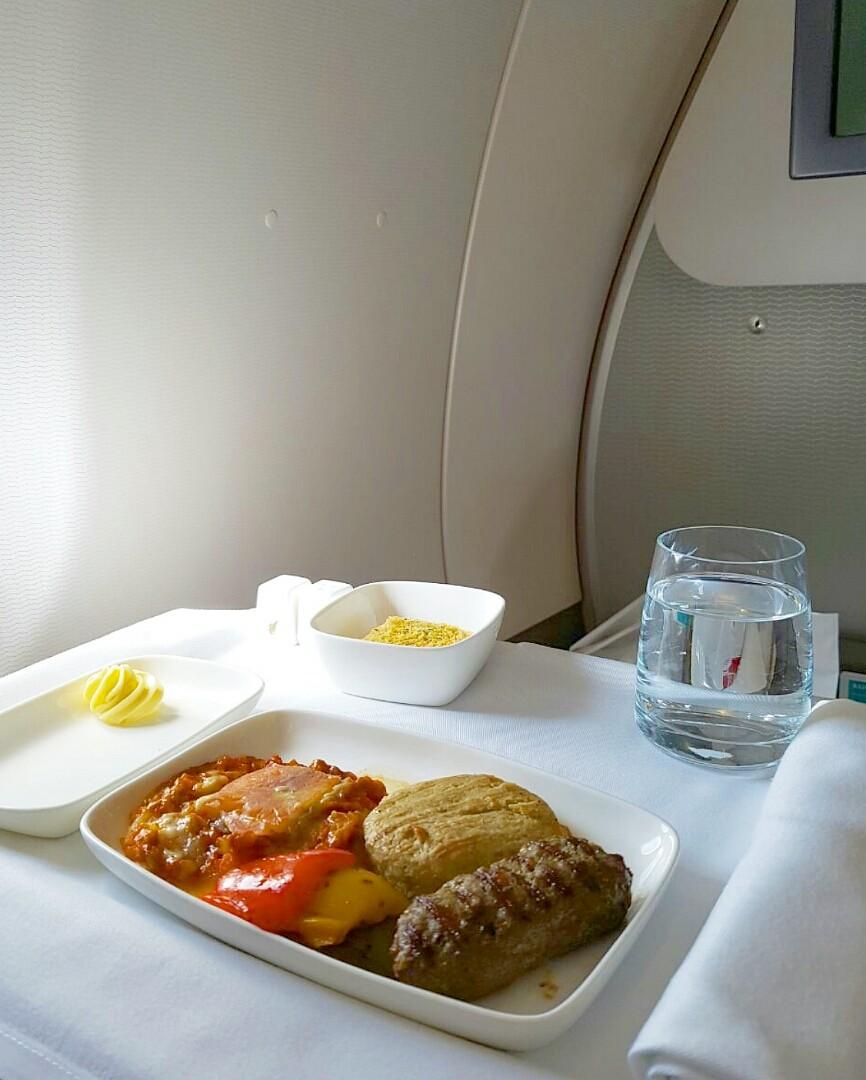 طيران الخليج ساعاتكم مو سوه مرة زينين ومرة خيبات أمل @ Gulf Air - Bahrain